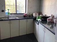 马军巷北区,107平,3室,2600一个月。
