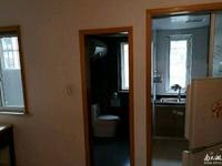 低价出租金湖人家精装修59平米,两室一厅,1700/月