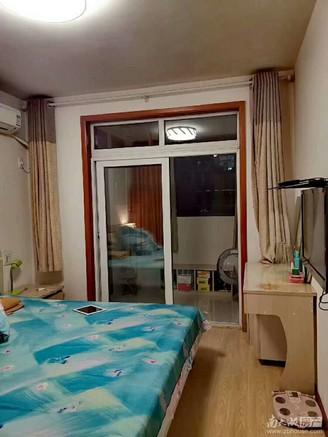 售泰和家园2楼68.85平,2室2厅,居家精装,西边套,满5年无二税99.8万。