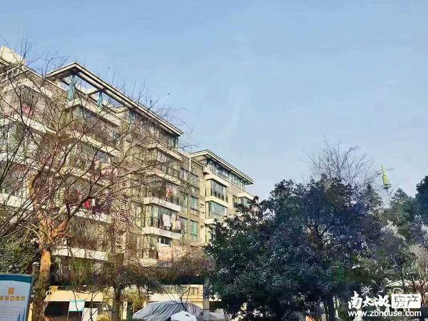 滨河园1楼全新装修家具家电齐全独立卫生间