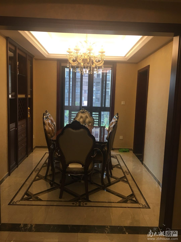 绿城御园168.83平方4楼豪装出售420万