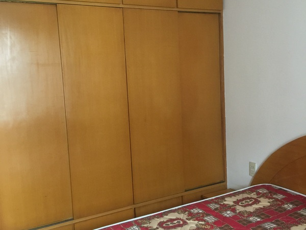 西白鱼潭4楼良装2室1厅2台空调另外家电家具齐全