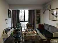 泰和家园3楼,69平,2室2厅,居家精装,车库10平,家具家电,满2年,102万