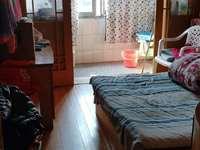 吉山西区5楼,64.3平,1.5室2厅,良装,车库独立。75万。