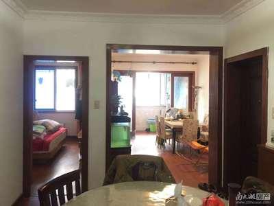 翠苑4楼,70.66平,二室两厅明厨卫,良装,标套,车库7平,满5年,87.5万