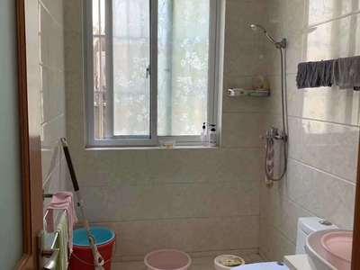 出售祥和西区多层1楼75平,2室2厅,居家精装,车库16平,123万