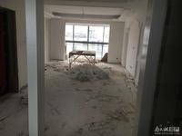 金龙家园 6楼 134平 三室二厅二卫 简装 基础装 148万