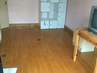华丰一期4楼一般装修一室一厅车库6平米
