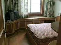 1384华丰二期2楼59平2室半1厅良装车库合满2年81.8万