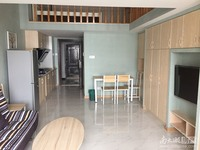 loft精装单身公寓,实用70多平方,拎包入住,安静舒适阳光好!