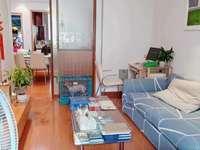 出售月河小区3楼70平2.5室2厅,标套,精装,车库独立,满2年明厨明卫,82万