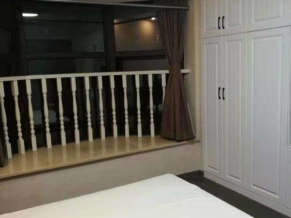 15金色水岸26楼朝北精装单身公寓2400/月-苏哥15257204777