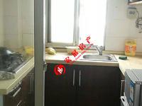 吉山新村,车库三家合用 ,一室半明厨暗卫.