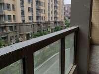 出售新华府隔壁和园,多层2楼共6楼,120平,带电梯,毛坯,东边套,稀缺好房