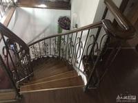 出售 计家桥小区老五中学区房 5楼带阁楼 良好装修 四室一书房三卫 带自行车库