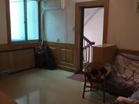 美都花园3楼,80平方,三室二厅一卫,中装,家电齐全,拎包入住,有钥匙