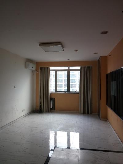 90平米办公用房低价出租