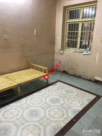 急售:闻波小区 41平,一室半一厅暗卫,双开院子