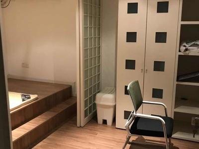 出租美欣家园5楼带阁楼,居家精装修,拎包即住