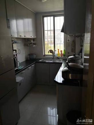 凤凰一村多层3楼75方,90.8万,良好装修,两室两厅一卫,满两年