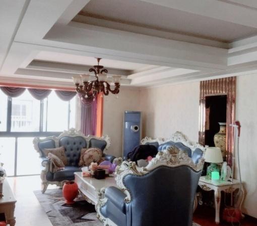 幸福里21楼124平米三室两厅豪华装修满两年188万