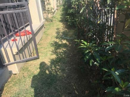 祥生郡悦三室二厅二卫带花园带汽车位和储藏室