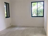 2780 东湖家园车库上1楼 70平 两室两厅 全新精装j家具家电齐 1700