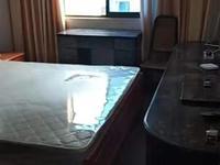 出租,吉北4楼两室1300底价,车库7平。独立家电齐。