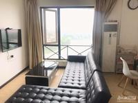 出售 太湖阳光假日 93平 二室二厅 高层 自住精装 带地暖