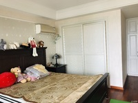 天河理想城婚装边套,房子保养的很好,精装修单价12200平,位置佳