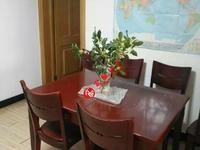 金泉花园车库上一楼 良装两室半一厅明厨卫