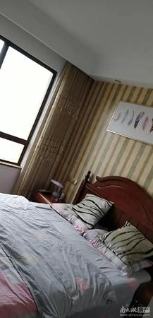 最新急售:西西那堤11楼,125平方 三室两厅二卫