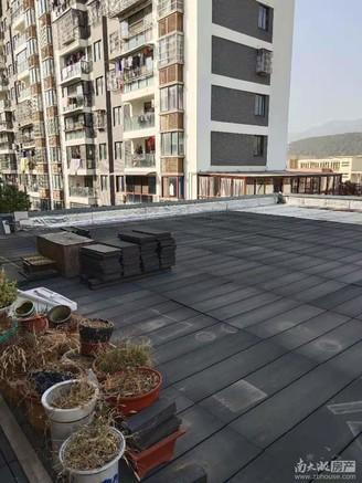 3楼精装好房带130方的大露台,另有10几个平方的阳光房,一看就中,看核心卖点