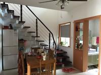 金湖人家5楼带阁3方2厅2卫还有一个阳光房,使用面积多。