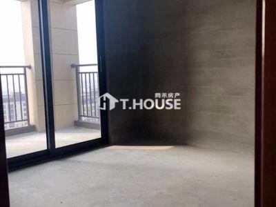 祥生悦山湖二期16楼景观房110方,3房2厅2卫,超大景观阳台,仅售154万