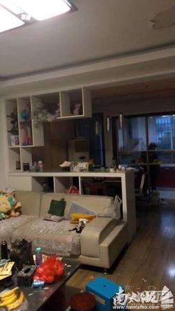 单价只有9000一平 和盛家园3楼 三室两厅一卫 精装