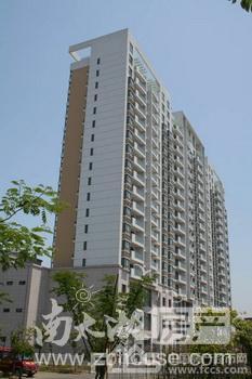 出售和盛家园5室2厅1卫130平米138万住宅