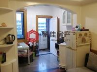 湖东小区5楼次顶,两室一厅,中档装修,家具家电齐全,满2年,附小