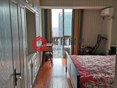 百盛国际明都102平方三室两厅居家装修 家具家电全留 无二税