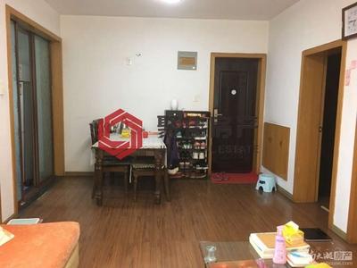 市陌西区72平方两室两厅居家装修 独立车库 满两年