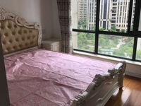 出售775 凤凰城 8楼 二室二厅 精装修 三室朝南 满2年