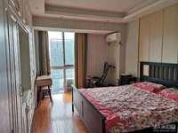 百盛国际25楼边套101平三室二厅一卫精装修拎包入住满二年130万可协