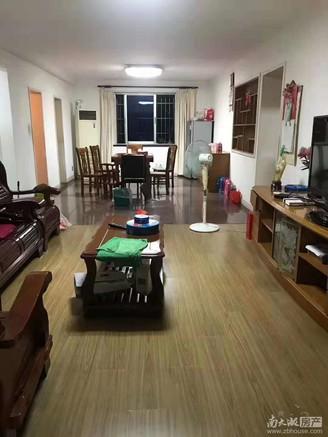 出售计家桥小区 4楼 三室二厅二卫 自住精装 满5年 车库6平 150万