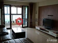 西西那堤122平方三室两厅两卫居家装修 满五年