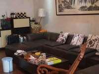 急售市中心新天地公寓楼21楼166平米三室二厅二卫精装148万