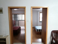 1733东湖家园2楼 69平 2室2厅 中装 标准套型两室朝南报价88万满两年