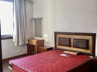 2398 吉山一村6楼 7楼 59.7平 一室半两厅 精装 车库合用 60.8
