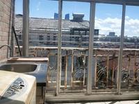 港湖花园西区 4楼带阁楼 4室2厅3卫 独立自行车库 含汽车库总价162万