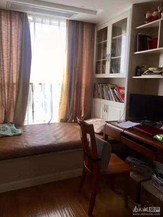 天际花园 29楼 143平 3室2厅2卫 豪华装