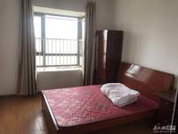 翰林世家10楼4室2厅2卫141平中装3500元